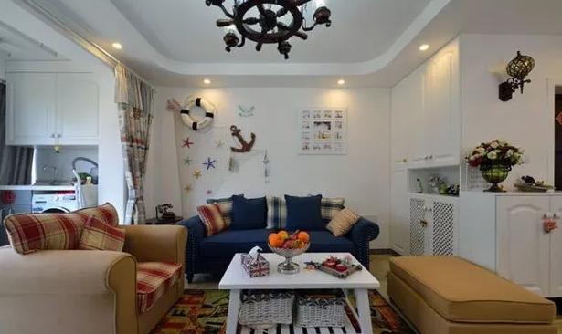 地中海混搭田园风格,灯饰和家具体现出主人的用心