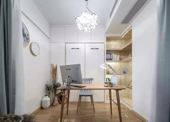 北欧风格装修效果图,白色搭配原木色宽敞又舒适