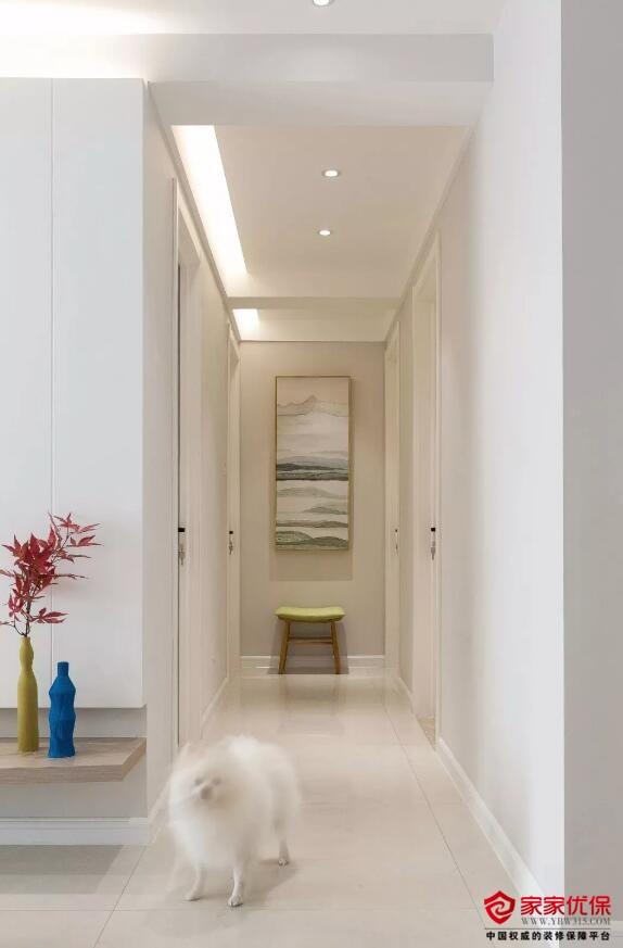 北欧风格装修案例,厨房原木色橱柜搭配白色操作台很时尚