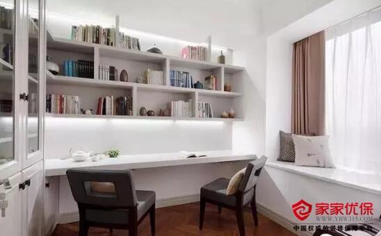 现代中式风格装修案例,房子设计简洁大方插花摆件精致美观