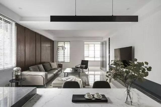 简约现代风格装修案例,原木色与白色的搭配个性又时尚