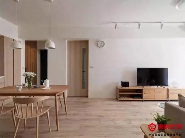 78平日式风格装修案例,白色的空间却显舒适温馨