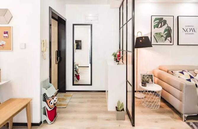 简约日式风格装修案例,绿植和挂画点缀整个空间很有格调