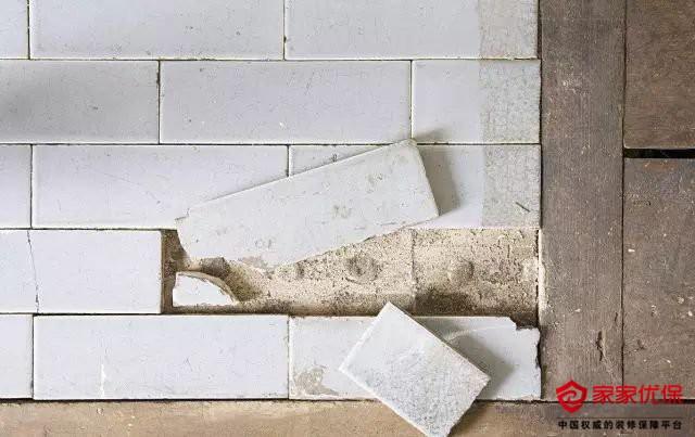 瓷砖空鼓脱落的原因有哪些?原来这5点才是主因