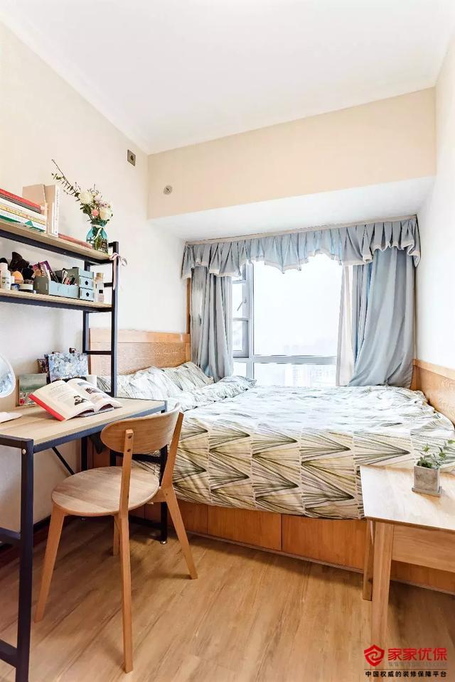 89平日式风格三居室装修案例,暖木色搭配温馨舒适
